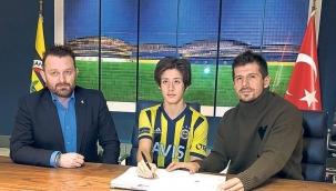 Fenerbahçe'nin 16'lık yıldızı Arda Güler şov yaptı!